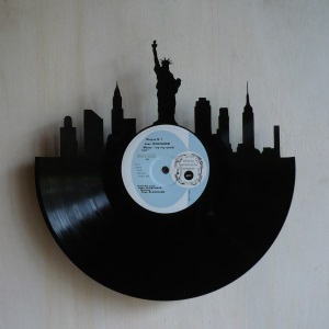 Disque vinyle d coup d coration vintage horloge new york for Decoration porte disque 33t